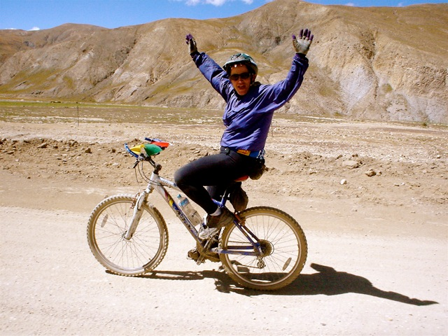 A Glimpse at Unconditional Confidence riding from Lhasa to Kathmandu
