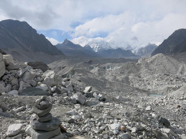 looking up the Ngozumba Glacier towards Cho Oyu